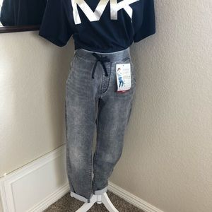 🎉HP🎉Levi Stretchy Joggers